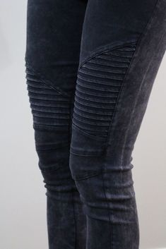 """These moto leggings are one of the hottest trends this season! You will love that these look like denim jeans but pull on like leggings! These leggings are great quality and feature an elastic waist, mid-rise style & zipper details on each ankle. If in-between sizes, size up. Fabric: 97% Cotton, 3% Spandex Small: 0-4 Medium: 4-6 Large: 8-10 Inseam: 26""""-28"""" Mid-Rise, if in-between sizes, size up."""
