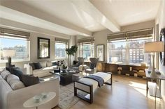 View this luxury home located at 205 West Street Floor New York, New York, Stati Uniti. Sotheby's International Realty gives you detailed information on real estate listings in New York, New York, Stati Uniti.