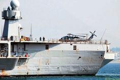 USS Mount Whitney in Toulon | Mer et Marine (© JEAN-LOUIS VENNE)