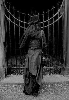 This Neo-Victorian #Goth girl is outside the gate