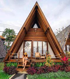 Super house modern exterior dream homes arquitetura Ideas Bamboo House Design, Tiny House Design, Tiny House Cabin, Tiny House Plans, Wooden House Plans, Hut House, Cabin House Plans, Cliff House, Town House
