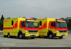 Einsatzfahrzeug: HH - Bundeswehr - NAW Y-402 555 und Y-402 556 - BOS-Fahrzeuge - Einsatzfahrzeuge und Wachen weltweit