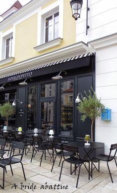 La nouvelle carte du saperlipopette in 2019 paris is always Cafe Interior Design, Cafe Design, Interior Architecture, House Design, Deco Restaurant, Restaurant Concept, Restaurant Design, Decoration Hall, Cafe Exterior
