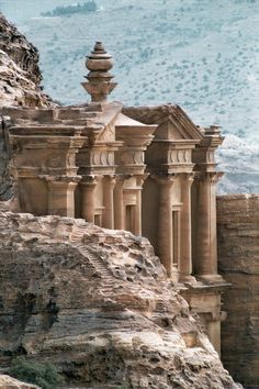 Petra, Jordan - World wonder! *Waouw* On my bucket list! Oh The Places You'll Go, Places To Travel, Places To Visit, Laos, Travel Around The World, Around The Worlds, City Of Petra, Beau Site, Jordan Travel