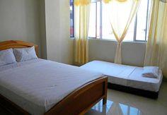Hotel Caravel, a una cuadra del Malecon de Salinas
