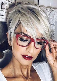 Coupe de cheveux long femme avec lunette