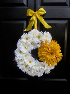 White and Yellow Daisy Wreath.: