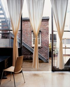 azevedo - victorian house and contemporary curtains black tall windows and those curains. House Design, House Styles, Decor, Interior Design, Ombre Curtains, Curtains, Interior, San Francisco Houses, Home Decor