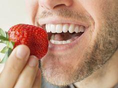 Las fresas son muy ricas y con muchos nutrientes para el organismo.  Pueden consumirse en jugo, ensaladas y postres.