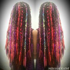 逆毛タイトロープ♪ 逆毛を立ててから編むことにより、 Hippieっぽいdredのような質感を出しました Colorful  Ombre  Twist  Braids  Dred  編み Long braids  Hairsalon Welina  Hitomiyanagida  Myworks   お客様photo    感謝