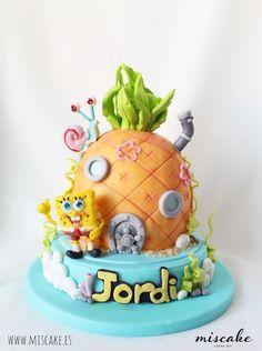 cake Bob Sponge tarta fondant Bob Esponja rellena de sweetmerengue buttercream de oreo y bizcocho de vainilla