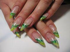 Gelnägel mit uv glitter gel Grün