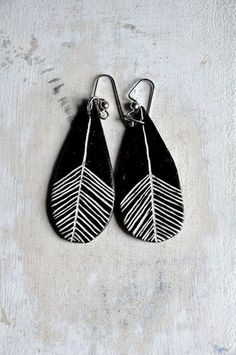 Feather Drop Earrings in Black and White // Clay Earrings: