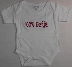 rompertje wit met tekst geborduurd. http://www.borduurkoning.nl/shop/baby_textiel/rompertje