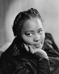 """Actress Louise Beavers (born March 8, 1902) is best known for her performance in the 1934 film """"Imitation of Life"""". She appeared in 160 other movies and the TV show """"Beulah"""". #TodayInBlackHistory"""