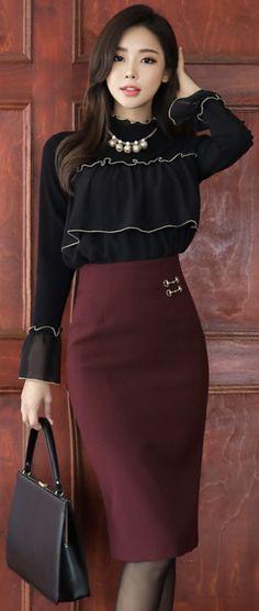 StyleOnme_Gold Decorative Detail High-Waisted Pencil Skirt #wine #pencilskirt #koreanfashion #kstyle #kfashion #feminine #falltrend #seoul