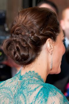 Classy updo worn by Kate Middleton <3