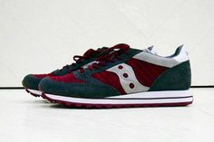 If you had a very keen eye, then you may have spotted these White Mountaineering x Saucony sneakers on the feet of models on the Fall/Winter 2012 collection Jazz, Saucony Shoes, Mountaineering, Swagg, Dress To Impress, Kicks, Fall Winter, Husband, Footwear