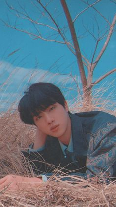 So I went on my feed and now I'm stuck down the rabbit hole of BTS and I can't get out. What sorcery is this? Seokjin, Namjoon, Bts Jin, Jin Kim, Bts Bangtan Boy, Taehyung, Park Ji Min, Foto Bts, K Pop