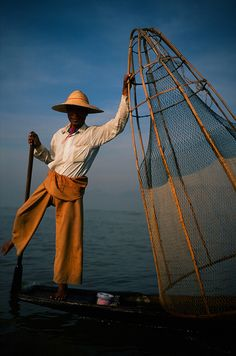 Fishing. Myanmar Inle Lake