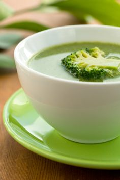 Broccoli Soup - Easter Healthy Recipes - http://acidrefluxrecipes.com/broccoli-soup-easter-healthy-recipes-2/