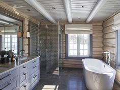 Bathroom shower tile white ceilings new Ideas White Interior Design, Bathroom Interior Design, Home Interior, White Tile Shower, White Bathroom, Cabin Homes, Log Homes, Deco Spa, Log Cabin Bathrooms