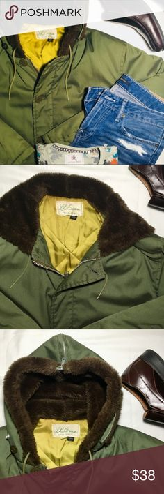 🍂 Vintage L.L Bean Winter Jacket (UNISEX) Very Rare Vintage L.L Bean Winter Jacket! In Great Condition, Just Missing One Button (Refer To Last Image). Even With A Missing Button, This Coat Still Looks Great And You Can Barely Even Notice! Zipper Hood Can Be Worn In Two Different Styles, So Cool! Grab This Heavy Jacket For the Upcoming Winter! Offer Fast, This Will Go Quick! Size: 42 (XL) I Will Be Accepting All Reasonable Offers! 😁 L.L. Bean Jackets & Coats Puffers