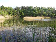 Lake along the Kullaleden walking trail