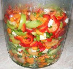 Muraturi asortate Romanian Food, Preserving Food, Kefir, Preserves, Pickles, Carne, Good Food, Food And Drink, Cooking Recipes