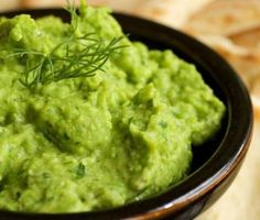 "Fava Bean and Avocado Dip. A great way to both ""stretch"" your guacamole as well as add healthy no fat protein and iron. Green Chutney Recipe, Hp Sauce, Simply Yummy, Bean Dip Recipes, Chia Recipe, Hummus Recipe, Mushy Peas, Alkaline Diet Recipes, Healthy Snacks"
