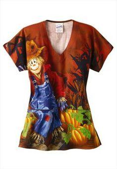 Scarecrow ladies 2 pocket Halloween print scrub top at… Scrubs Outfit, Scrubs Uniform, Scarecrow Costume, Halloween Scarecrow, Costume Halloween, Cna Nurse, Nurses, Medical Scrubs, Nursing Scrubs