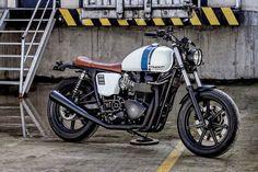 Triumph Bonneville Brat Style Spike by Macco Motors #motorcycles #bratstyle #motos   caferacerpasion.com