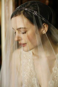 Acessórios de Cabelo para Noivas no Blog da Fruit | by Fruit de la Passion | #bride #hair #beauty #wedding #jenifferbehr #tiara #veu