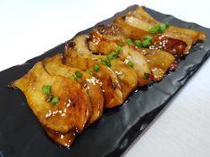 간단하지만 맛있는 간장버터 새송이구이 만들기 안녕하세요~ 허니레빗입니다. 저는 야채를 정말 싫어하는 사람인데요. 오늘은 고기처럼 쫄깃해서 제가 너무 맛있게 먹었던 '새송이버섯구이'를 만들어 볼까해요! .. Lime Recipes, Quick Recipes, Asian Recipes, Cooking Recipes, K Food, Good Food, Yummy Food, Korean Dishes, Korean Food