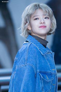 Twice Jungyeon Jeongyeon