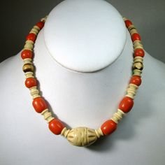 Vintage 1900s Victorian Celluloid Bead Necklace, Ivory and Coral Color. Restrung 1950s Catch 15 ( 38.1cm ) Used but cool vintage of that