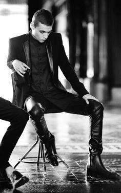 funnymalemodels: fashionloveskarl:. Yuri Pleskun for Zara Fall Winter 2013 Campaign ... * screams * !!! ....