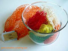 Que faire avec les filets d'oranges Home Crafts, Diy And Crafts, Diy Sponges, Filets, Orange, Deodorant, Sewing Projects, Origami, Crafty
