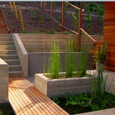 Wood grain concrete retaining wall