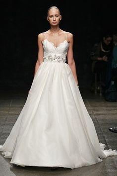 JLM    (BridesMagazine.co.uk)