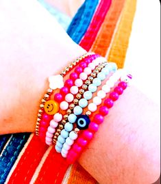 Trendy Jewelry, Summer Jewelry, Cute Jewelry, Jewelry Accessories, Jewelry Ideas, Preppy Bracelets, Cute Bracelets, Beaded Bracelets, Bead Jewellery