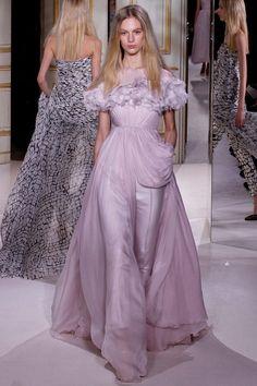 runway-report:  Vanessa Axente at Giambattista Valli Couture Spring 2013  Haute Couture blog :)