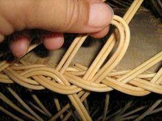 OPLET DNA MIRAHELKA – pletynek – album na Rajčeti Rolled Paper, Weaving Patterns, Basket Weaving, Dna, Crochet, Baskets, Rattan, Apples, Projects
