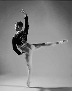 #ballet #dance #maledancer #cool #balletphotography #balletboys #balletdancer Dancers Body, Male Ballet Dancers, Ballet Boys, Ballet Pictures, Dance Pictures, Mens Leotard, Dance Photo Shoot, Japanese Figure Skater, Dance Tights