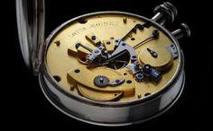 """Kayıp zamanın izinde: """" Bir saati parçalarına ayırınca ne görürüz?   Bir saatin ruhunu parçalarına ayırabilmenin mümkün olmadığını görürüz.   Küçük parçalar, birlikte çalışmak için zorunlu olarak yanındakine ihtiyaç duyan bütün o küçük parçalar manevi bir dünyaya gitmek için bir durak ve ruhani nesneler yumağından başka bir şey değil. Bir saati parçalarına ayırınca insanı parçalarına ayırmış oluruz."""""""