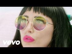 Charlotte Devaney - Flip It (The Edit) ft. Snoop Dogg - YouTube