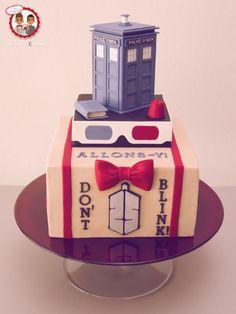 Dr Who !! by Un Jeu d'Enfant - CakesDecor Doctor Who Birthday, Doctor Who Party, Doctor Who Wedding, 25th Birthday, Happy Birthday, Sweets Cake, Cupcake Cakes, Cupcakes, Fondant Cakes