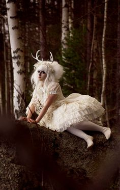 Shiro Deer  1st I love the antlers, need some so bad.  2nd a nicely done shiro loli coord is always appreciated