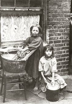 Bristol Social History Archives | HOW BRISTOL POOR PEOPLE LI… | Flickr Vintage Pictures, Old Pictures, Old Photos, Vintage Kids Fashion, Vintage Children, Rare Photos, Vintage Photographs, London History, Poor Children