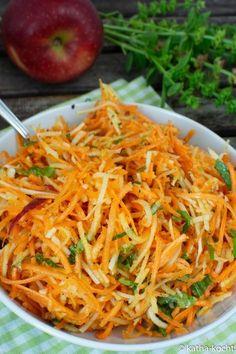 Carrot and kohlrabi salad with apple - raw vegetable salad - Katha-K .- Carrot and kohlrabi salad with apple – raw vegetable salad – Katha chefs! – Carrot kohlrabi salad with apple – Raw food salad – slimming food dessert - Raw Food Recipes, Vegetable Recipes, Pasta Recipes, Beef Recipes, Salad Recipes, Healthy Recipes, Raw Vegetable Salad, Raw Vegetables, Veggies